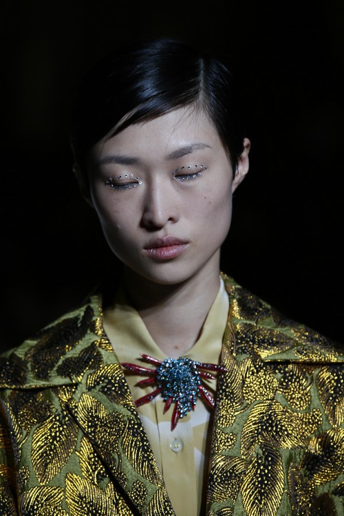 A model wears a creation as part of Dries Van Noten Spring-Summer 2018 ready-to-wear fashion collection presented Wednesday, Sept. 27, 2017 in Paris. (AP Photo/Francois Mori)