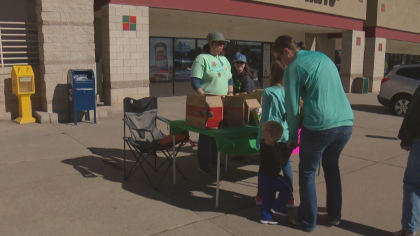 gs cookies selling spots 5pkg transfer frame 0 Girl Scouts Leaders: Its Up To Parents To Decide Where To Sell Cookies