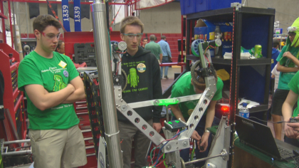 robotics competition 10pkg transfer frame 1480 Robotics Competition Could Be First Step Towards Career In Aerospace