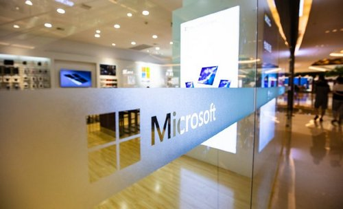 Microsoft Is Slowly (But Surely) Connecting Blockchain to Main Products