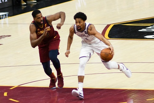 Spencer Dinwiddie Could Decentralize Pro Sports