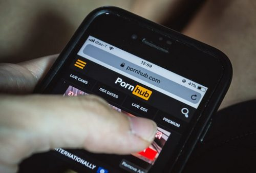 Paypal Pullout Prompts Pornhub to Add Tether as Payment Option for Its Adult Models